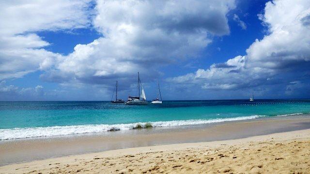 Яхты у берегов острова Антигуа