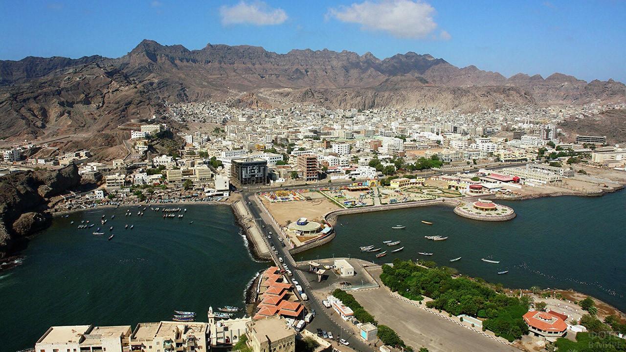 Порт Аден в Йемене