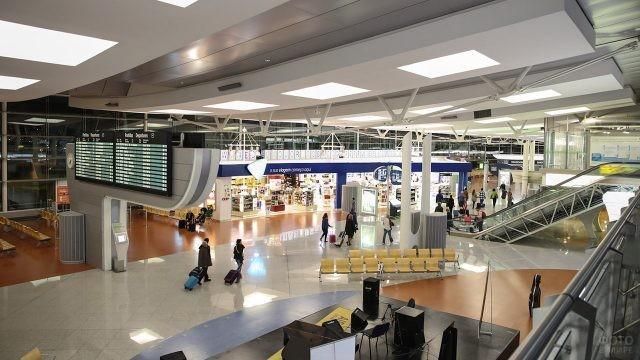 Чистая зона в аэропорту Порту