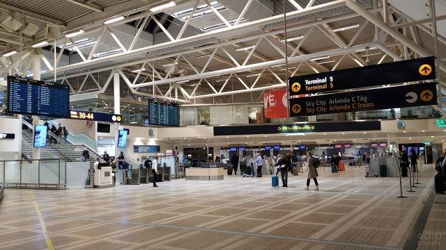 Фойе аэропорта Арланда в Стокгольме
