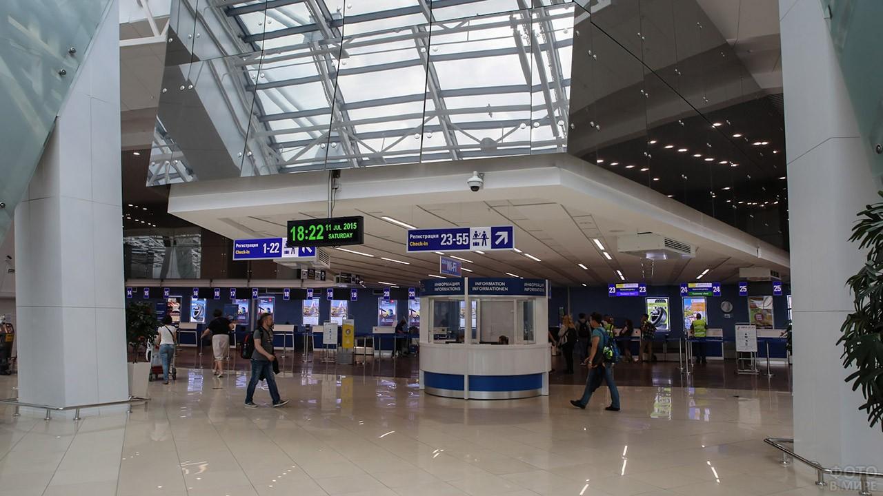Фойе аэропорта в Минске