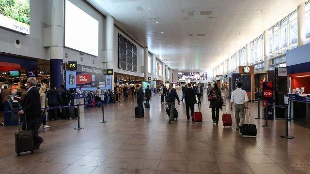 Пассажирский терминал аэропорта в Брюсселе