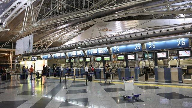 Стойка регистрации в международном аэропорту Порто