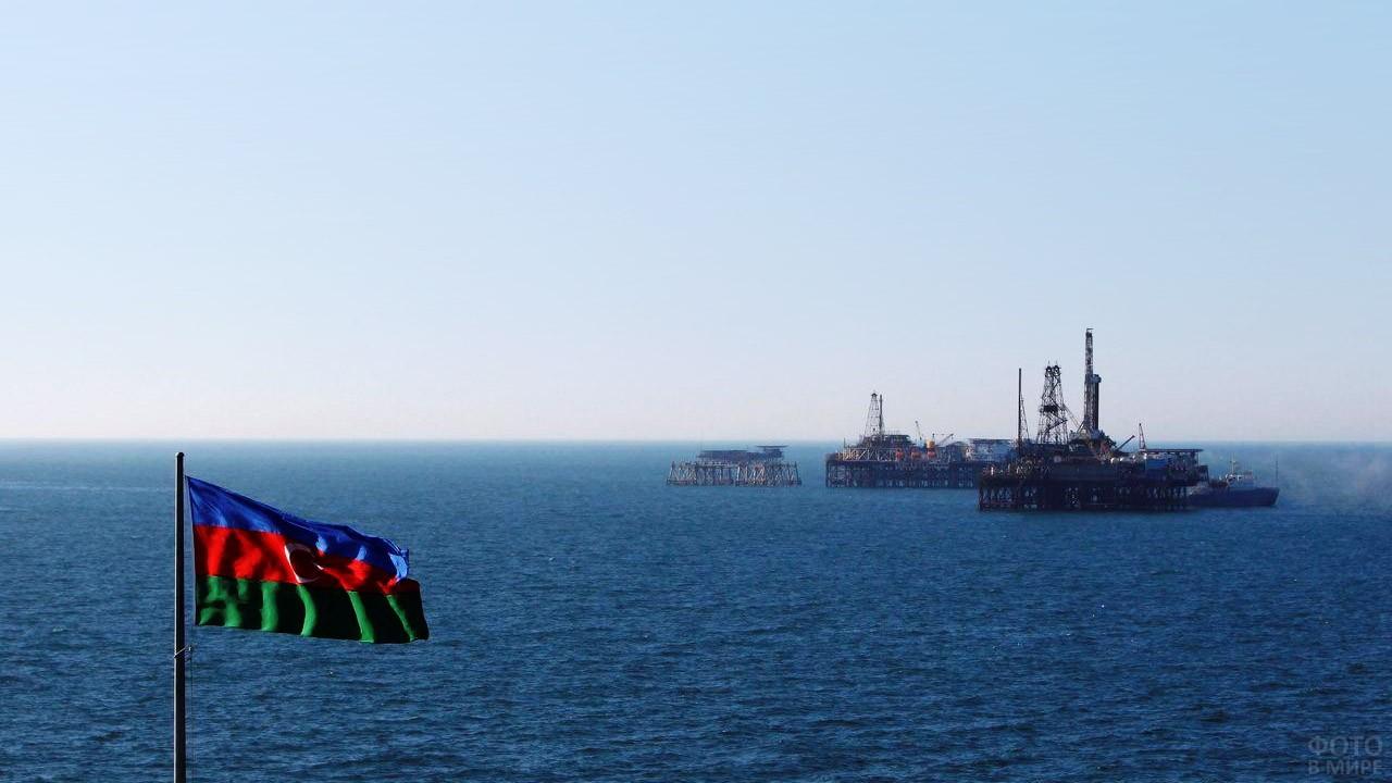 Азербайджанские нефтяные вышки
