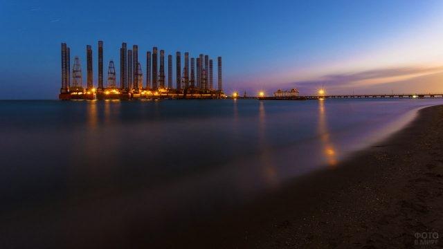 Индустриальная экзотика пляжа Шихово в Баку