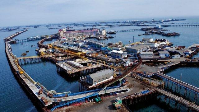 Промышленный город Нефтяные камни в Азербайджане