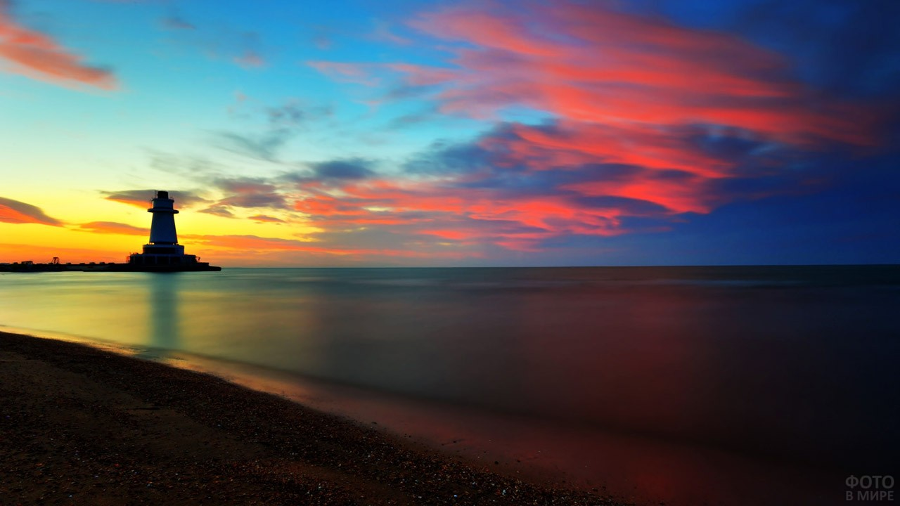 Закат на Мардакянском пляже в Баку