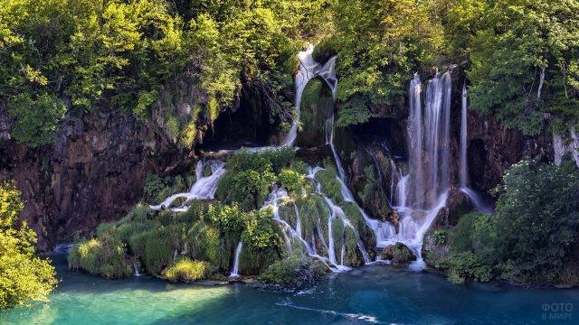 Водопады и пещеры над озером