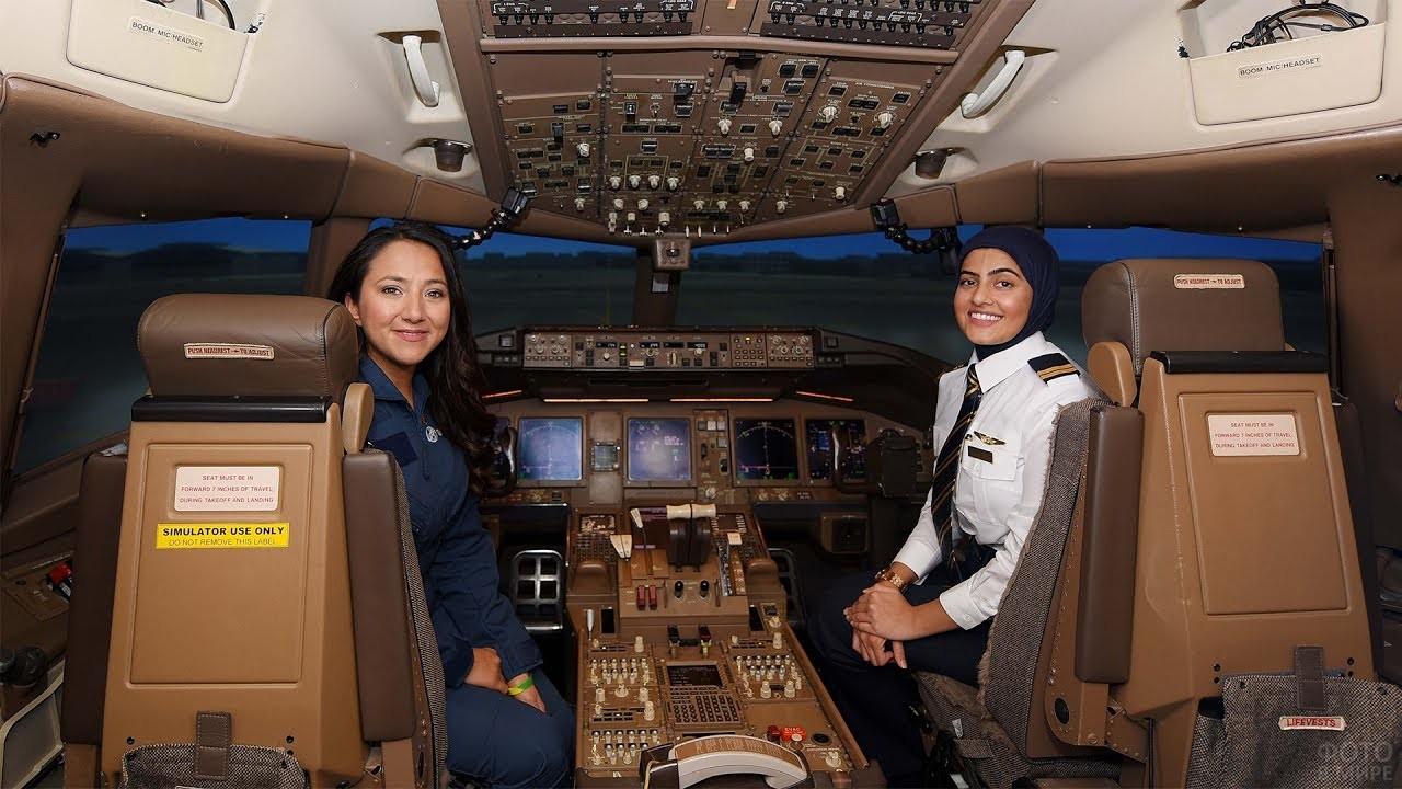 Девушки-пилотессы ОАЭ