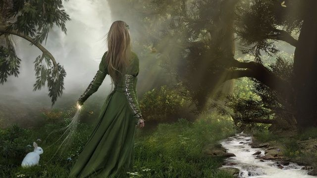 Девушка в дремучем лесу