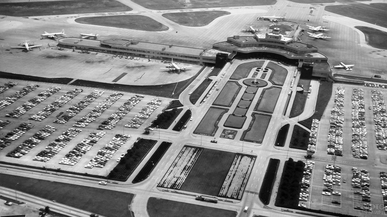 Архивное фото военно-гражданского аэропорта в Питтсбурге, США