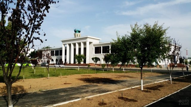 Старый аэровокзал в Ташкенте