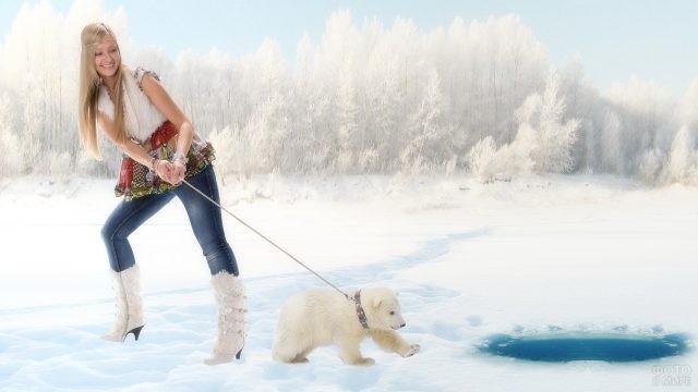 Девушка с медвежонком у проруби