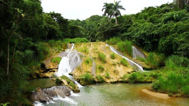 Каскадные водопады Эль Ничос