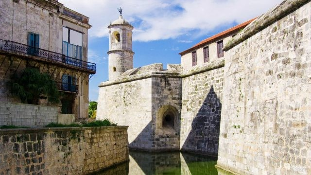 Военная крепость Ла-Реаль-Фуэрса в Старой Гаване