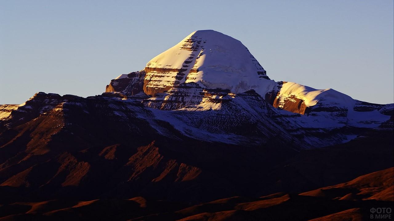 Гора Кайлас, она же Кангрибоче, или по-китайски — Гандисышань