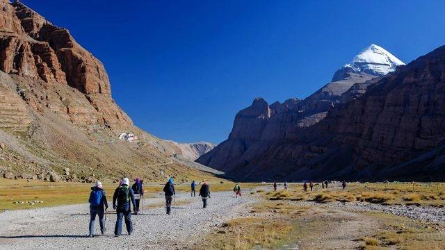 Начало пути-коры вокруг горы Кайлас