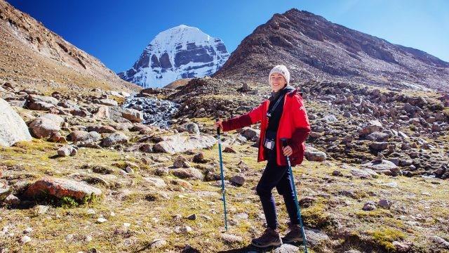 Теренкур-туристка на маршруте-коре в южном Тибете