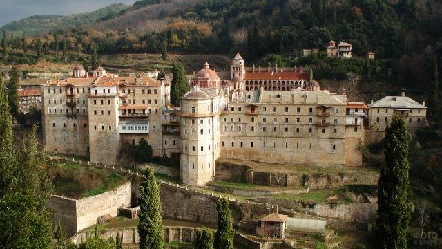 Монументальный болгарский монастырь Зограф