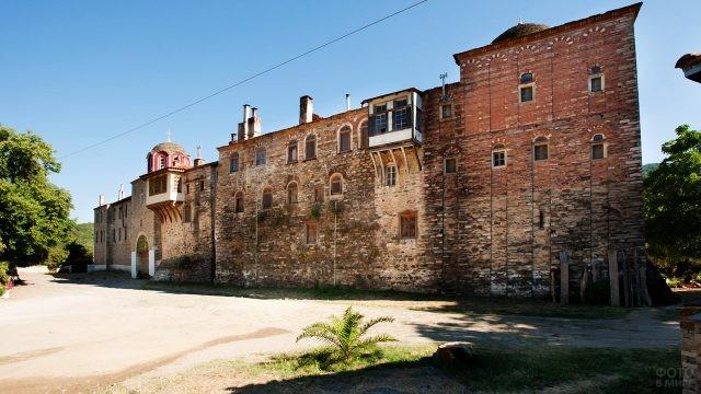 Стены монастыря Констамонит