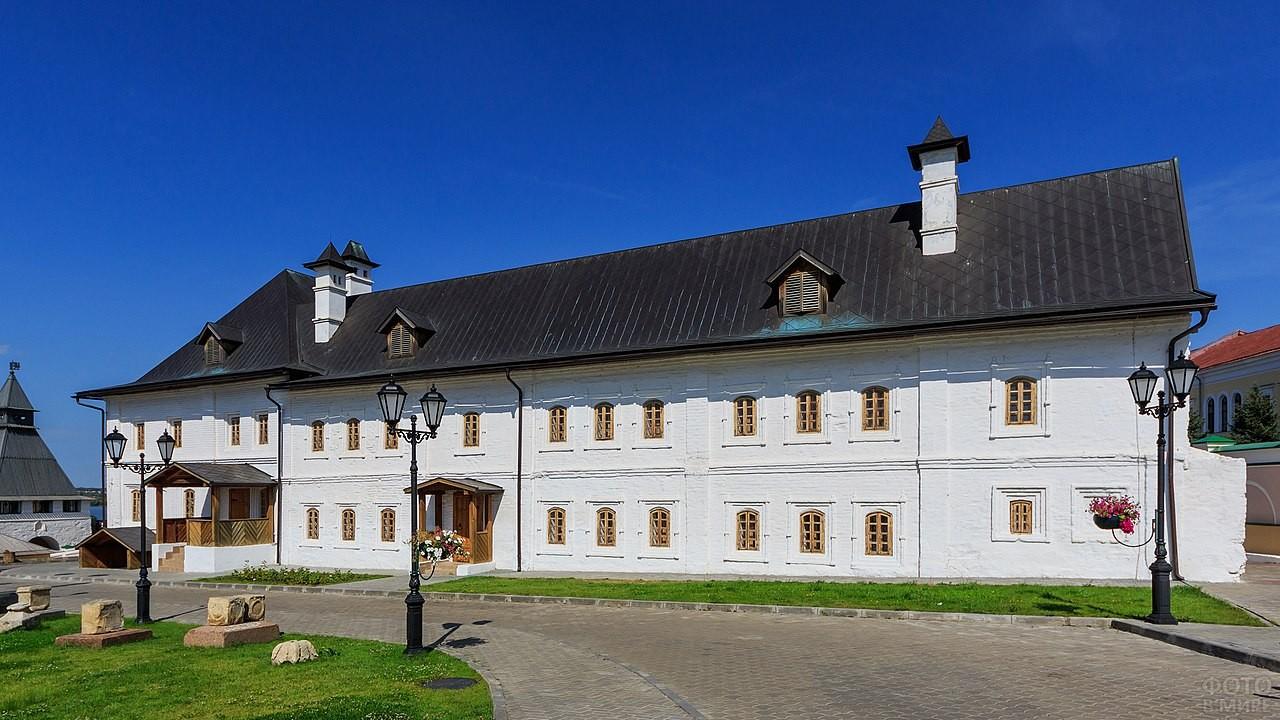 Братские кельи Спасо-Преображенского монастыря