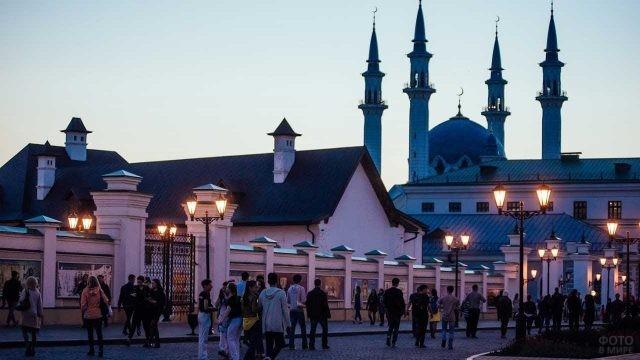Казанский Кремль в вечернее время
