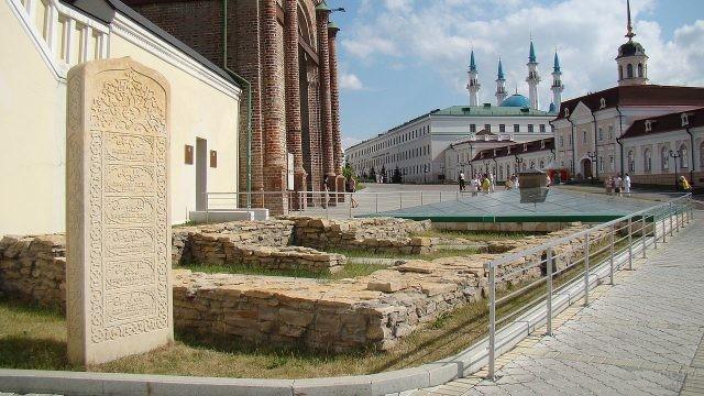 Могилы ханов в Казанском Кремле