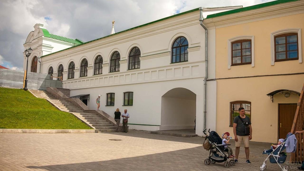 На территории Спасо-Преображенского монастыря