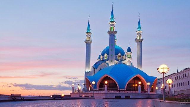 Подсветка мечети Кул Шариф