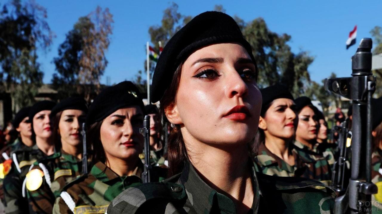 Девушки-военные в армии Ирака