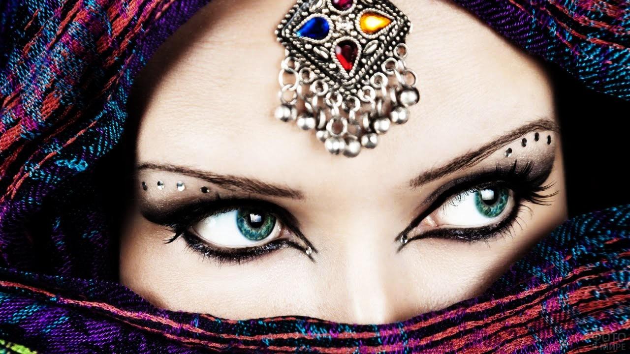 Макияж смоуки-айз в арабском стиле