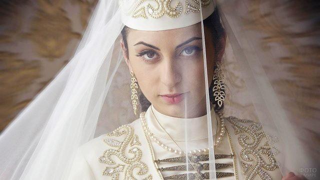 Осетинка в свадебном наряде