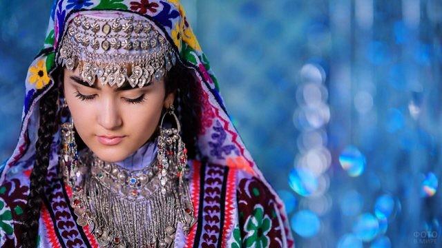 Таджикский национальный наряд