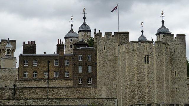 Башни в замке Англии