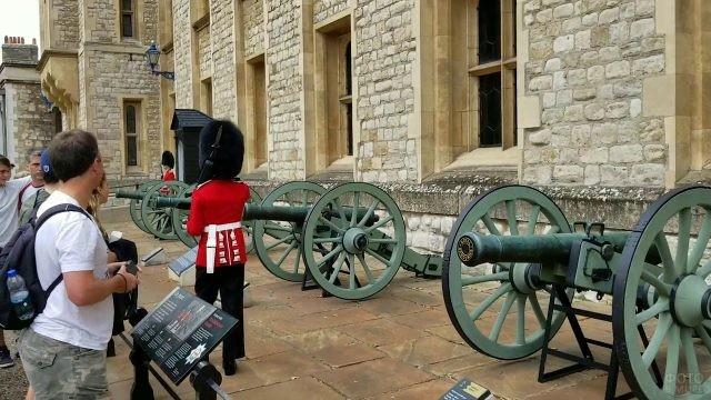 Пушки замка Тауэр