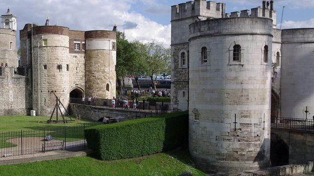 Зелёный двор в крепости