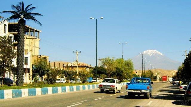 Дорога от Базаргана до границы с Турцией