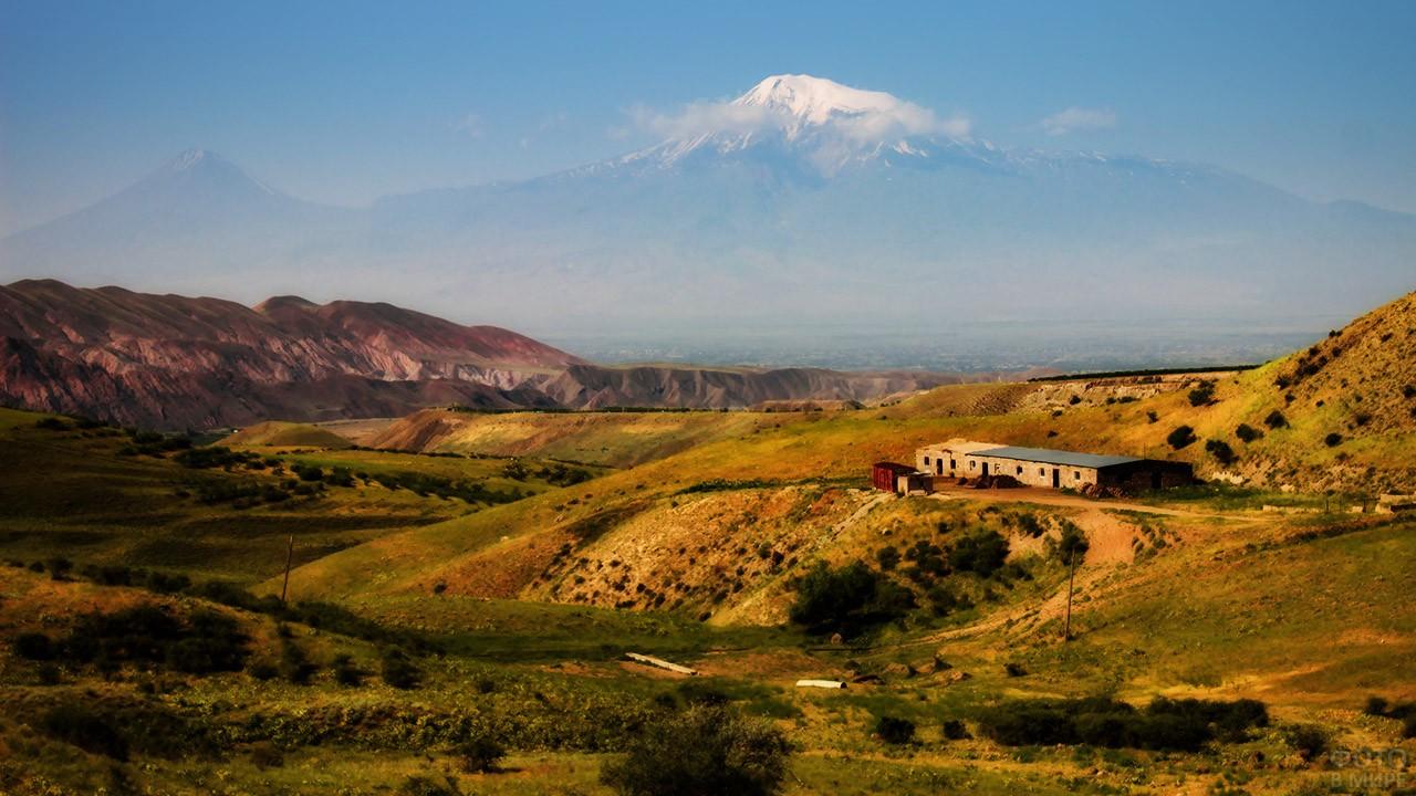 Летний пейзаж Армении