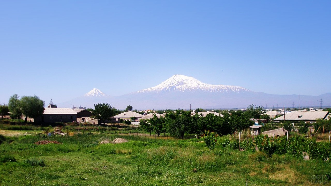 Село Нор Курин в Армении