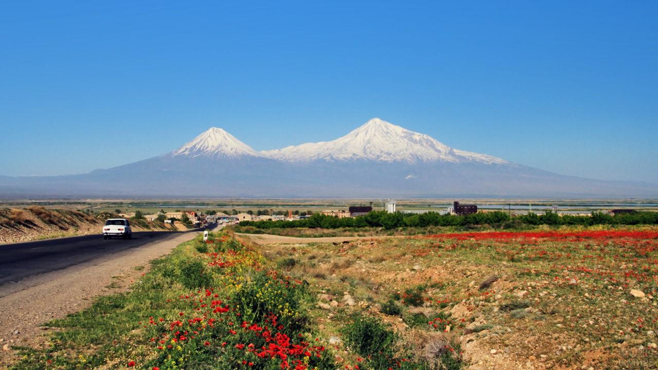 Весенний пейзаж в Армении