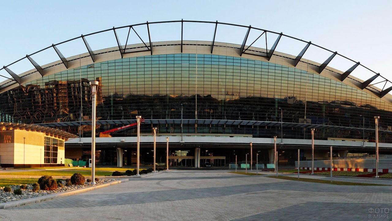 Фасад пассажирского терминала