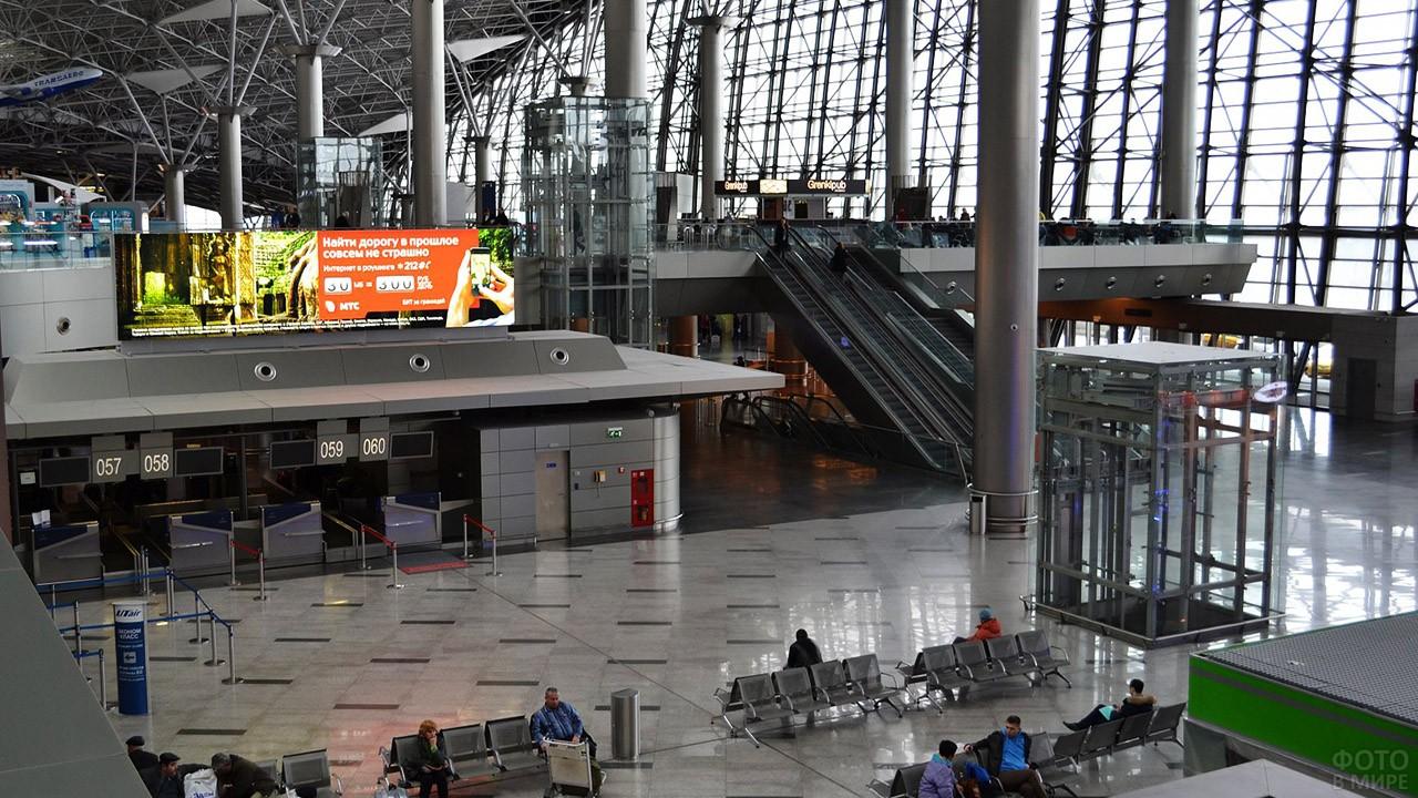 Лифты и эскалаторы в терминале А