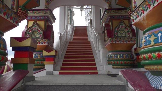 Лестница, ведущая вверх