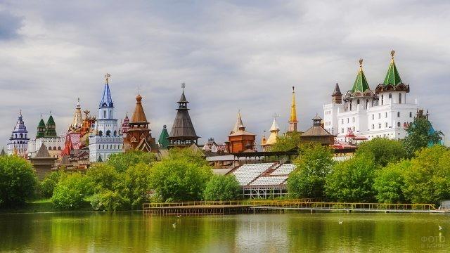 Серебряно-Виноградный пруд у Измайловского Кремля