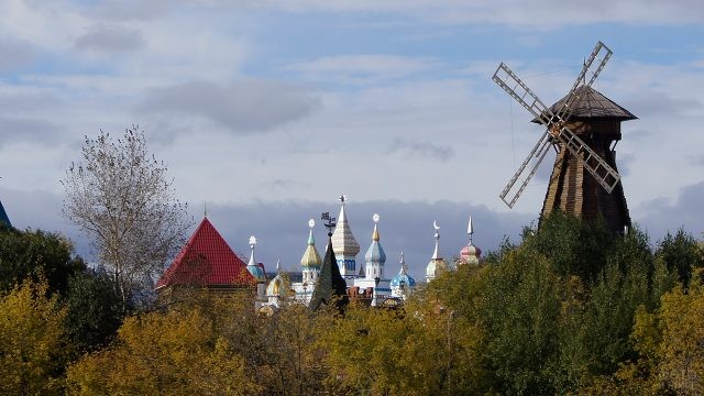 Вид на мельницу в Измайловском Кремле