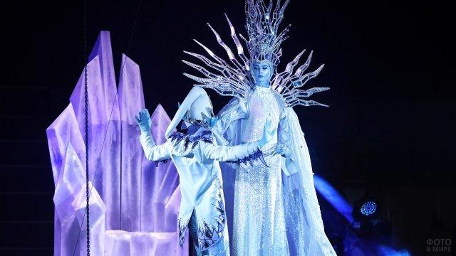 Артистка циркового шоу Снежная королева