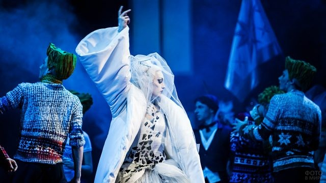 Балерина Екатеринбургской постановки Снежной королевы