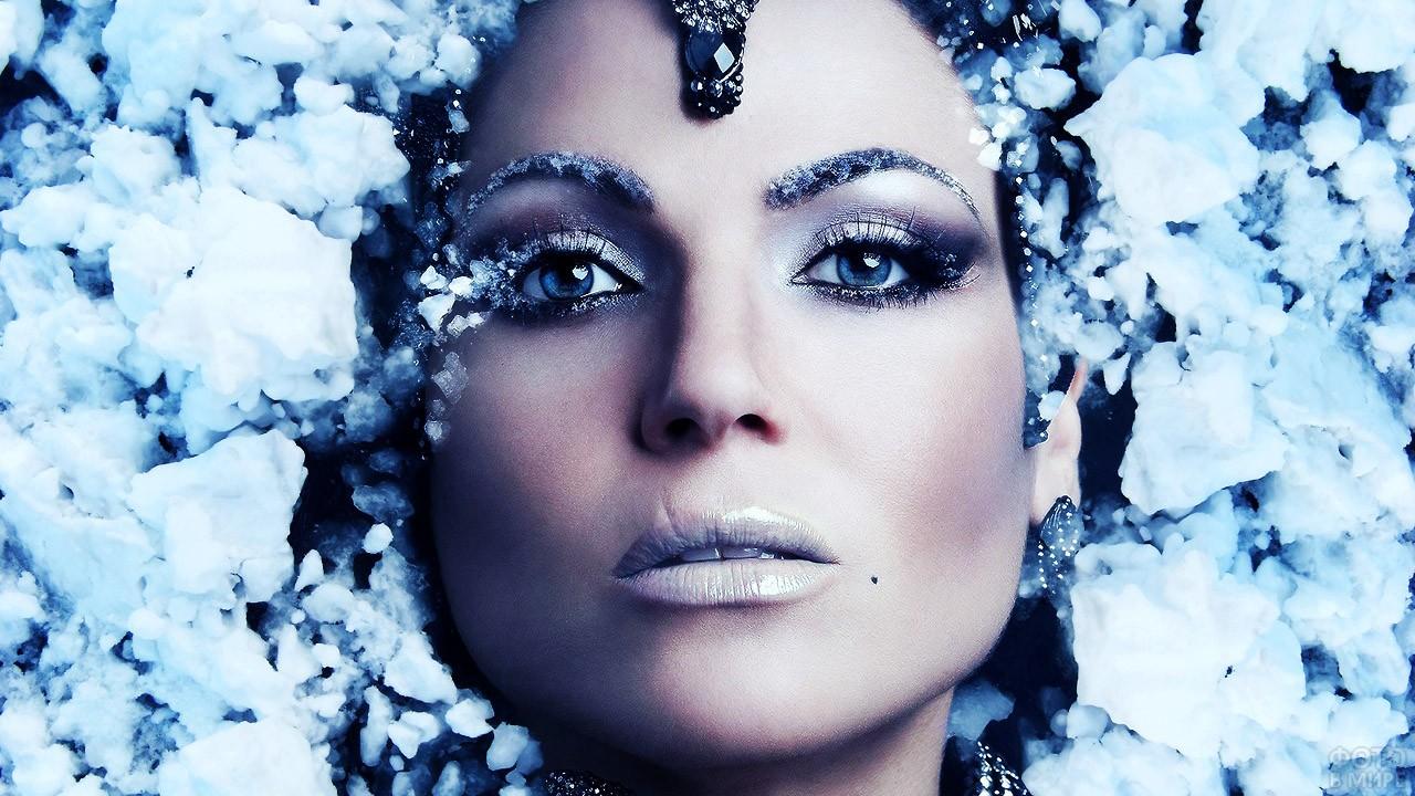 Красивый ледяной макияж