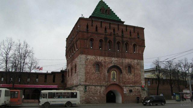 Дмитриевская башня Нижнего Новгорода