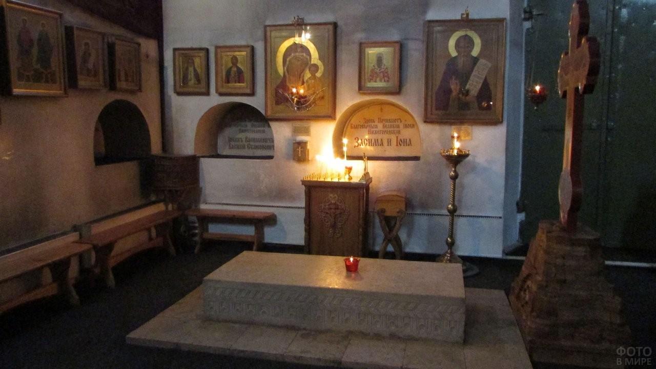 Гробницы в Архангельском Соборе